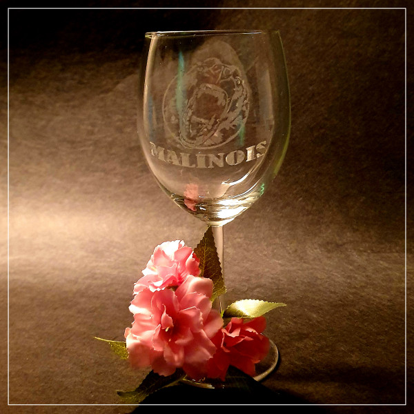 "Rotwein Glas ""MALINOIS"""